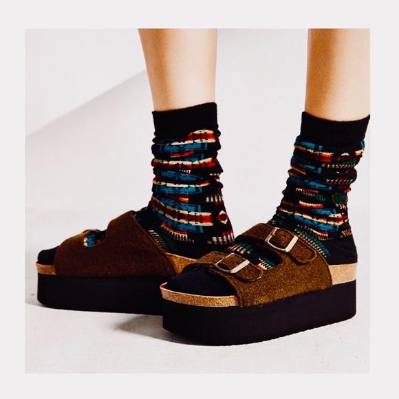 824e0997f6e SIXTYSEVEN indigo platform sandals (black). M 5b267bbfa31c330c4b6b7d2b